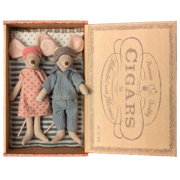 Topnotch MAILEG myszki Mama i Tata w pudełku po cygarach HU45