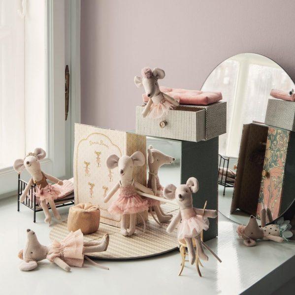 MAILEG myszka baletnica w pokoju do tańca Dance room w. big sister mouse
