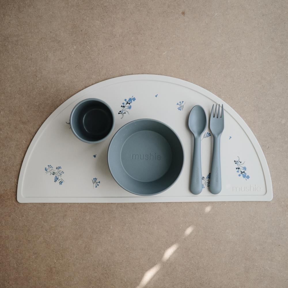 Mushie - Podkładka silikonowa na stół Lilac Flowers