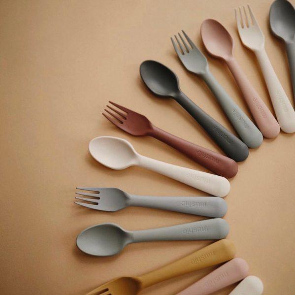 Mushie - Sztućce dla dzieci do nauki samodzielnego jedzenia Woodchuck