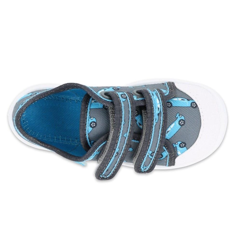 Tenisówki dla dzieci Maxi z wesołym motywem komiksowym to modne i stylowe obuwie dla chłopca. Szczególnie polecane na pierwsze kroki, z możliwością regulacji za pomocą rzepów. Mogą służyć jako obuwie zamienne lub buty na zabawy na dworze.