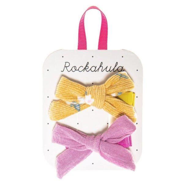 ROCKAHULA Kids spinki do włosów Florence Tie Ochre Przepiękne ręcznie wykonane spinki do włosów. Pastelowe kolory bedą pasowały do różnycg dziewczęcych stylizacji. Ozdobią każdą dziewczęcą fryzyrkę.